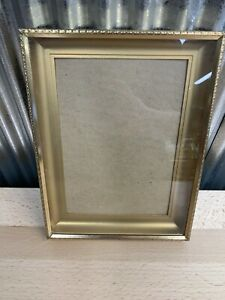 Vintage Gold Metal PICTURE FRAME 5x7 Photo Etched Embossed Ribbed Surround