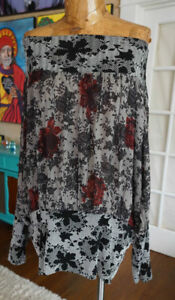Nothing Matches size 2 or XL stretchy blouse dark floral roses poet boho chic