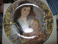 Edna Hibel Plate A Blessed Holiday 2001  X'Mass   ITALY