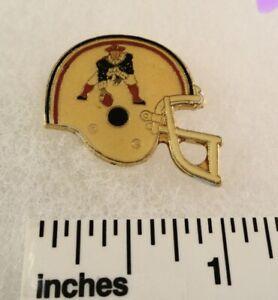 One Vintage 1987 ERA Official NFL Helmet Pins - New England  PATRIOTS