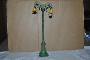 Prewar LIONEL DOUBLE GOOSE NECK LAMP POST - Standard Gauge - LOOK !!!