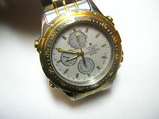 Runde Junghans Armbanduhren mit poliertem Finish