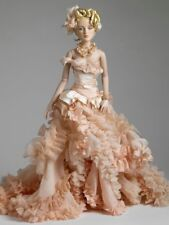 tonner antoinette doll sweeping 16 inches