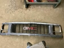 Grille I-beam Front Axle Only Upper Fits 94-02 GMC 3500 PICKUP 68611
