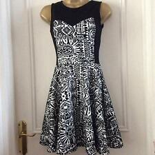Cameo Rose black white short fit & flare tea dress polyester easy care  size 8