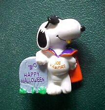 Miniature Peanuts Snoopy Joe Vampire Halloween Figurine