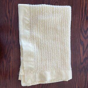 Vintage Carters Lemon Yellow Acrylic Waffle Weave Nylon Edge Trim Baby Blanket