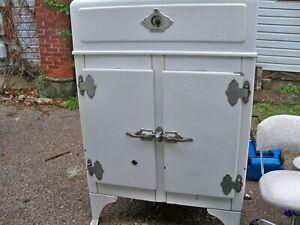ANTIQUE CAST IRON WOOD WESTINGHOUSE REFRIGERATOR ICE BOX WHITE DOUBLE DOOR RACKS