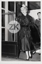 ZSA ZSA GABOR Mode ELSA SCHIAPARELLI Paris PLACE VENDOME Fashion Photo 1954