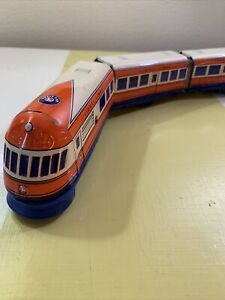 RETIRED Schylling Lionel Trains Streamliner Three Car Wind-Up Tin Diesel Train