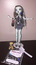 Mattel Monster High 1st Wave 1 Frankie Stein Doll Complete w Pet Watzit + Stand