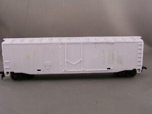 Unknown Mfr - Undecorated - 50' Plug Door Box Car