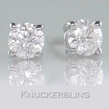 18 Carat Stud White Gold VVS1 Fine Diamond Earrings