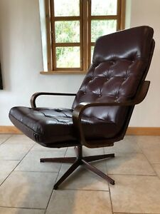VINTAGE DANISH MID CENTURY LEATHER LOUNGE CHAIR  1970s