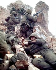Vietnam War USMC Medic Treats Wounded On Battlefield Tet 1968 Hue 8.5x11 Photo