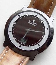 schöne Armbanduhr Junghans Mega Solar Ceramic Funkuhr Leder Armband Uhr pepflegt