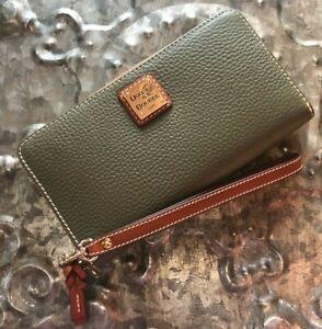 DOONEY & BOURKE~Large ZipAround Wallet Clutch Wristlet~PEBBLE GRAIN~OLIVE~BNIB!