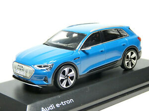 Spark 501.18.206.31 1/43 2018 Audi e-tron Resin / Diecast Model Car