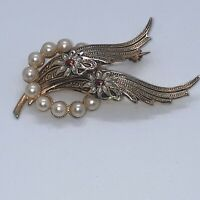 Vintage Costume Jewellery Damascene Faux Pearl Flower Gold Tone Brooch