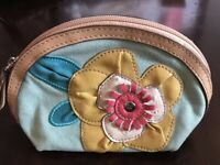 RELIC Make Up Bag Floral Zips Gold Pink Turquoise