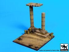 Black Dog 1/72 Desert Road w/Column Ruins Africa Diorama Base (10x10cm) D72007