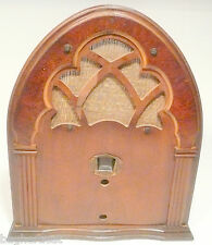 "vintage* ""FAMOUS"" CATHEDRAL 5 TUBE RADIO part:  WOOD SHELL & SPEAKER CLOTH"