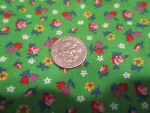 Vtg. Fabric,TINY FLORAL Flowers on Green Quilts Crafts Red Purple Tulips 1/2 Yd