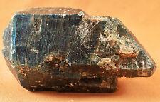 Cristal d'Apatite Bleu du Bresil 450 grammes