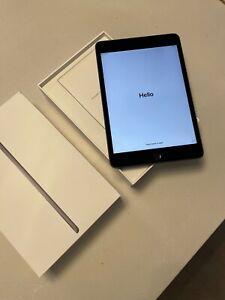Apple iPad Mini (5th Generation) 256GB, Wi-Fi + 4G (Unlocked), 7.9in - Space Gra