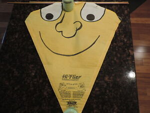 VINTAGE 1960s HI-FLIER PAPER KITE SMILE FACE ON YELLOW  NEVER ASSEMBLED NOS