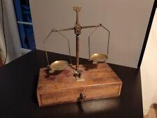 Balance ancienne d'apothicaire