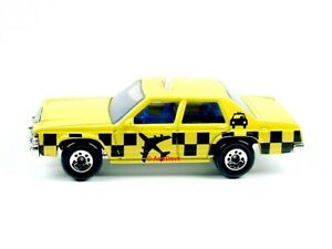 MATCHBOX / Ford LTD Taxi (Yellow) / No packaging.