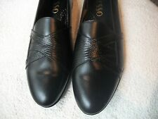 FIESSO Men's Sz 10.5 Black Leather Shoes NWOB Casual Career Slip On Free Ship