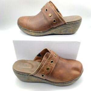 Born Womens Closed Toe Slip On Comfort Wedge Clogs Brown Size US 9 M