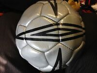 UMBRO  WASP BALL SIZEr 4   AT £4  1YEAR GURANTEE SHAPE /STITCHING  silverBNWL