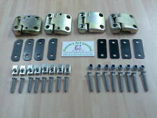 Land Rover Defender Td5 Front Door Hinge Kit  DA1070
