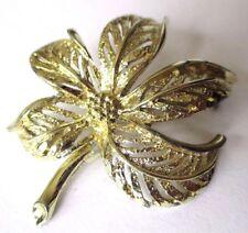 broche bijou vintage couleur or feuille travaillée ajourée en relief 517