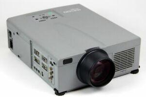 Elementa Projector 1800 Ansi-Lumen Xga 1024x768 Pixel