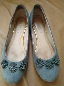 Jones Ladies Flats Size 6 /39.Suede Grey/Blue