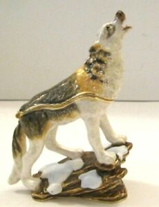 Secrets from the makers of Hidden Treasures - This one is the HOWLING WOLF