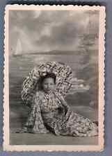 Vietnam, Jeune femme avec parapluie  Vintage silver print.  Tirage argentique