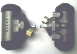 Both rear wheel cylinders for Full-Size Oldsmobile 1942 to 1966