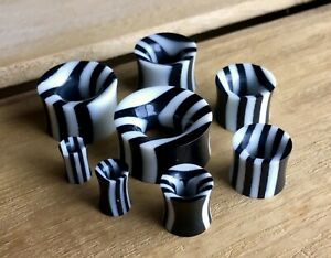 PAIR Horn & Bone Striped Tunnels Organic Black & White Double Flare Gauges
