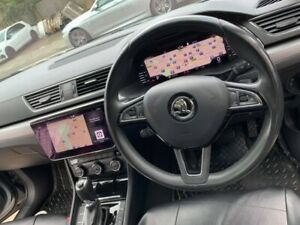 Skoda Superb virtual Cockpit. 3V0920790