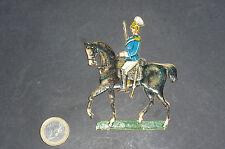 Oblaten Glanzbild Soldat zu Pferd mit Säbel Pappe geprägt II