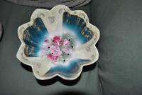"Beautiful Roses Gold Leaf Victoria Austria Berry Bowl Porcelain China 7"" diametr"