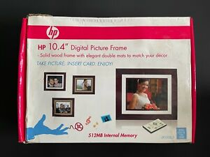 """HP 10.4"""" SOLID WOOD 512MB INTERNAL MEMORY DIGITAL PICTURE FRAME W/ DOUBLE MATS"""