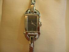 GUCCI nouveau femmes robe montre 6800R Quartz Bracelet rentagular 6800-26870