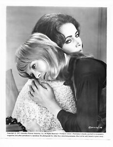 8 x 10 Original Photo Zee and Co.Elizabeth Taylor Michael Caine Susannah York