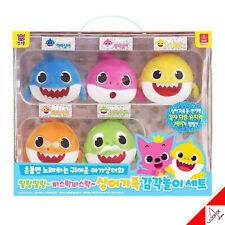 Pinkfong Baby Shark Family SENSORY PLAY SET Melody & Talking & Singing Dolls Toy
